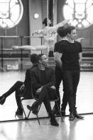 Olivier Rousteing e Sébastien Bertaud num ensaio // foto: Luc Braquet para Vogue UK